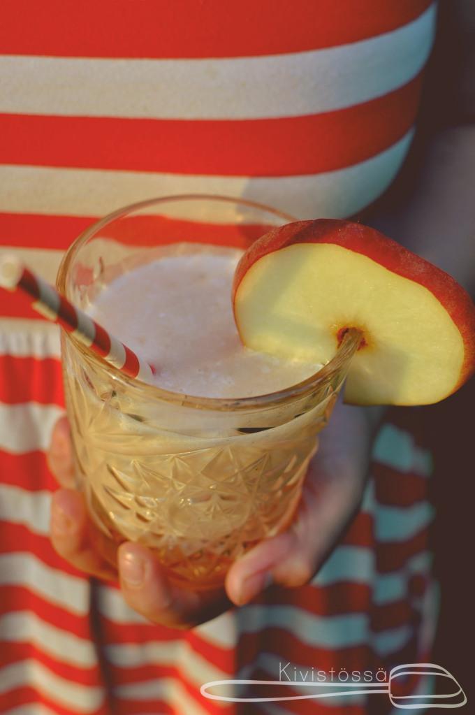 Grilled Peach Margarita - Kivistössä Foodblog - www.kivistossa.com