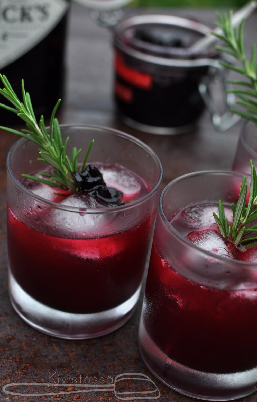 www.kivistossa.com Gin and Blueberry Jam